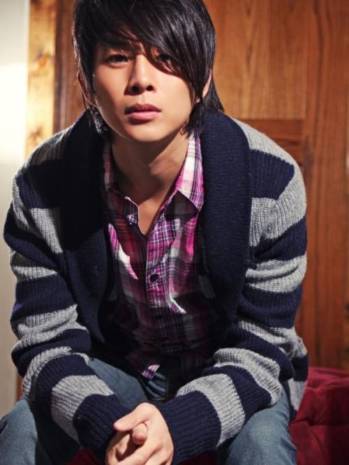 justin-chon1