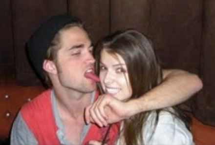 robert-pattinson-licking-anna20281292