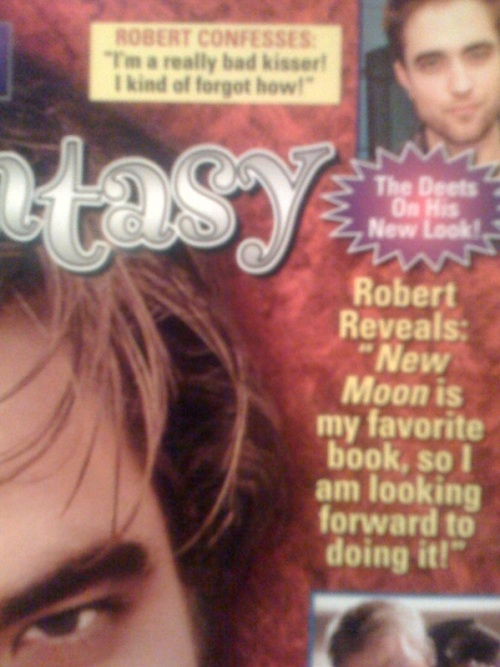 "the headline reads ""Robert Confesses: I'm a really bad kisser.  I kind of forgot how""."